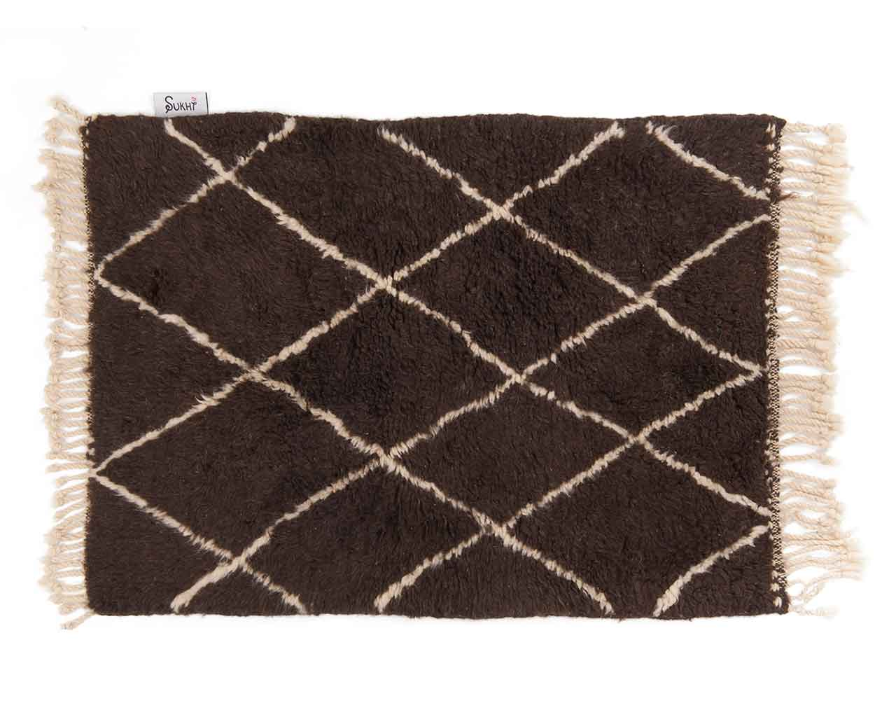 checkered white pattern wool moroccan carpet 1