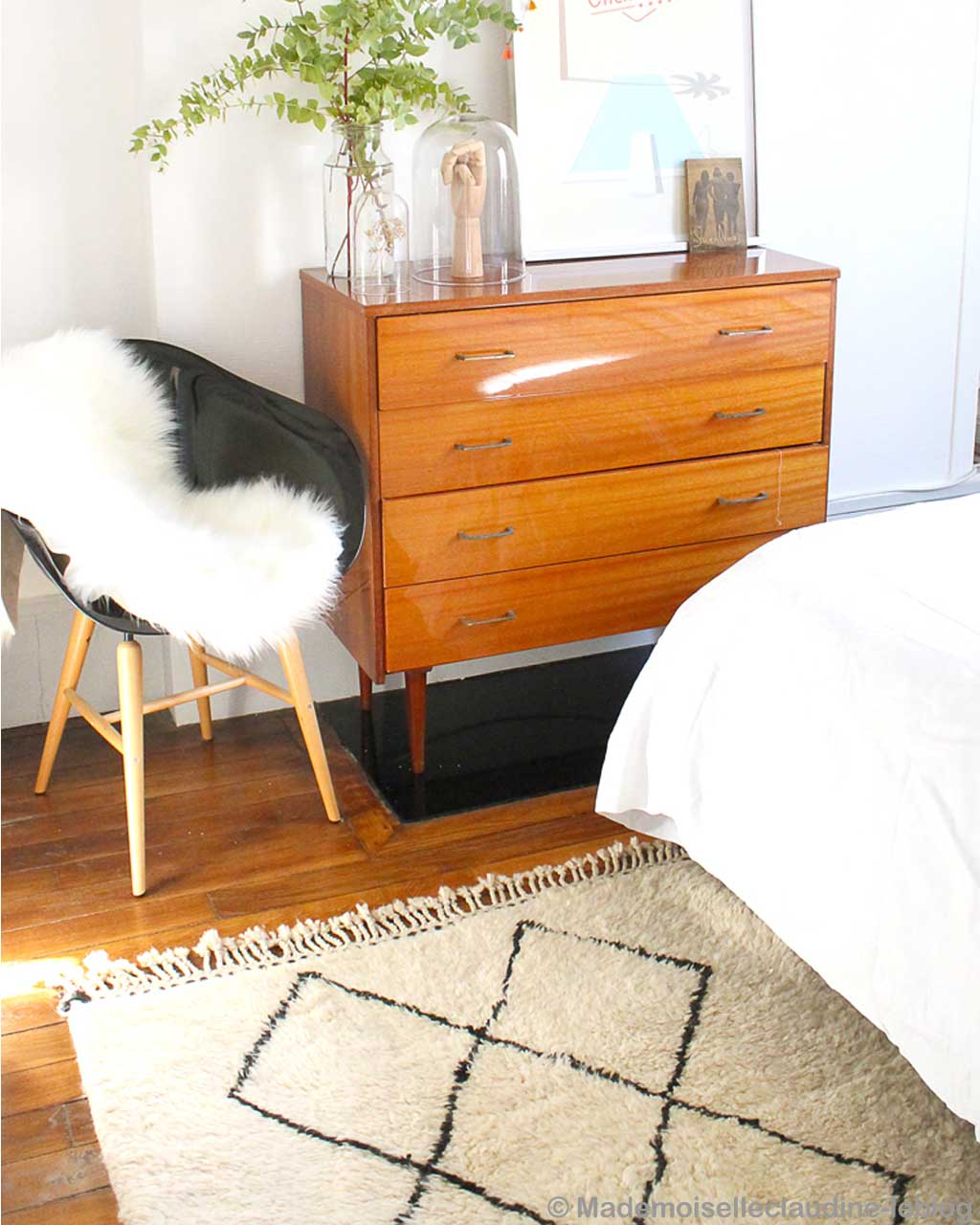 wooden chest and chair modern striped rug