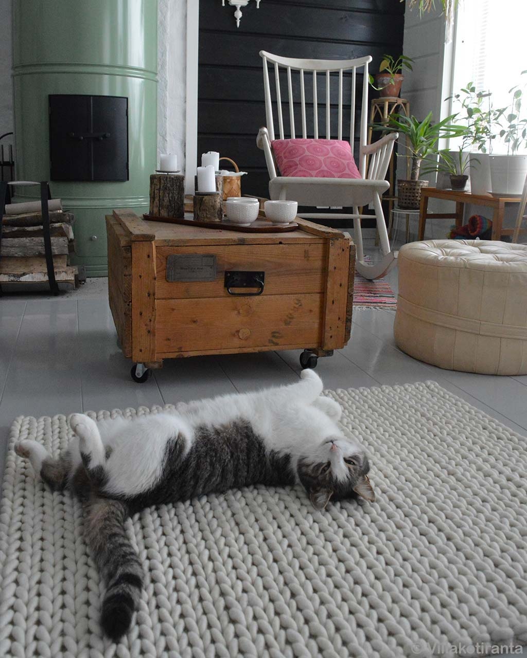 woolen black and white cat modern carpet