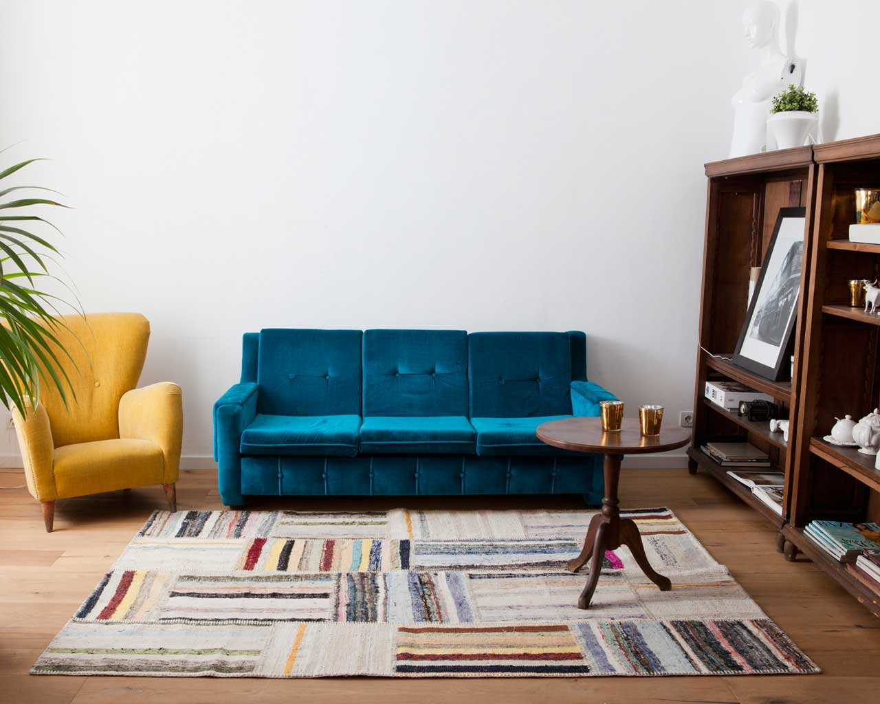 caputarea rug blue details yellow chair sukhi