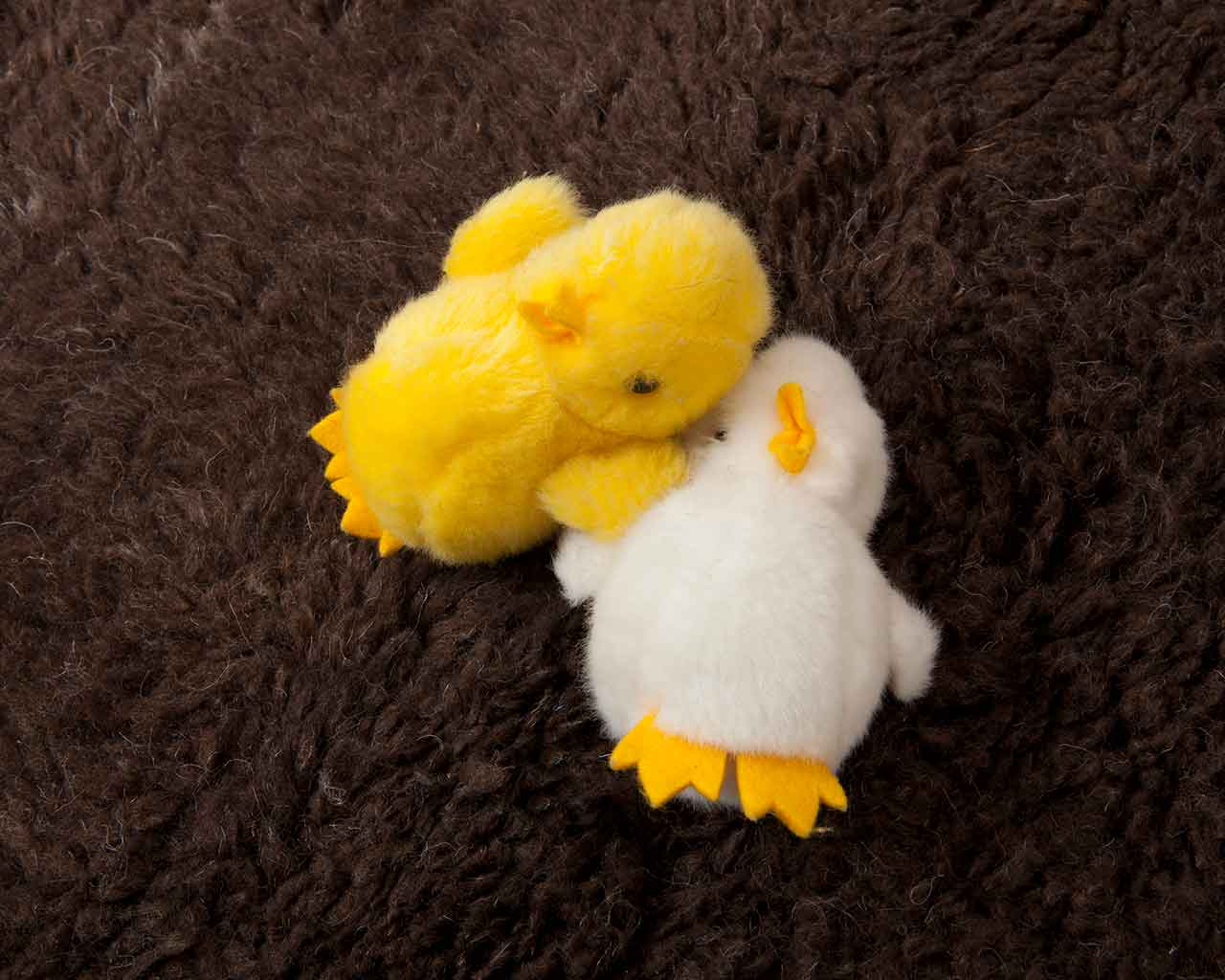 wool baby carpet cute stuffed animals white yellow 1